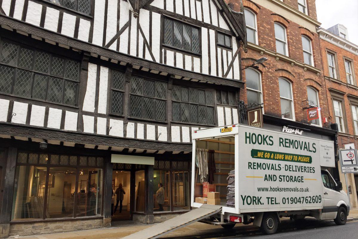 Hooks Removals van in York